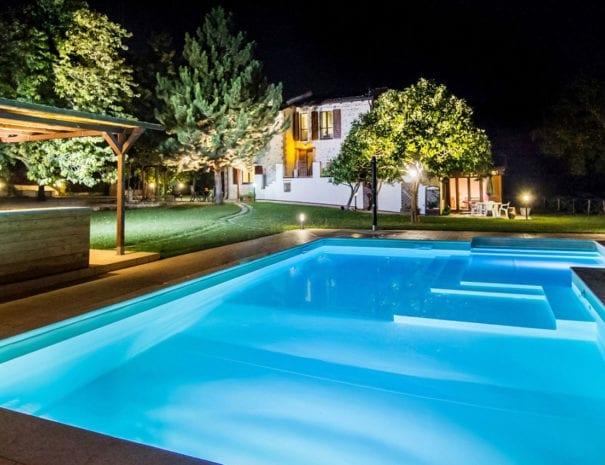 piscina-notte