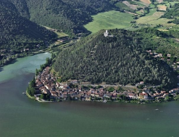 Il borgo di Piediluco e la rocca