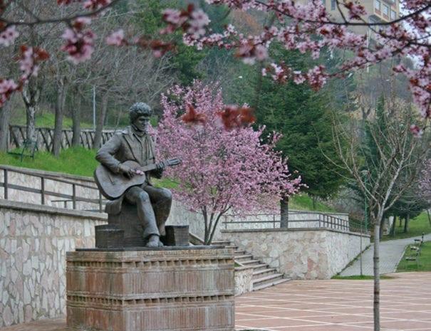 Poggio Bustone - monumento a Lucio Battisti