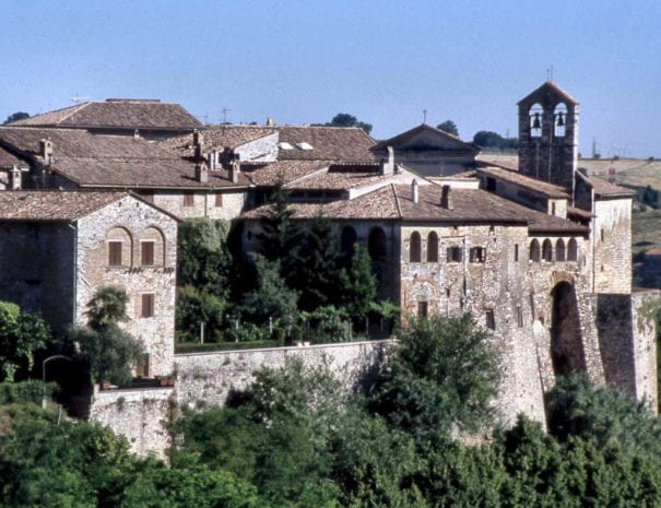 Le mura di Sangemini