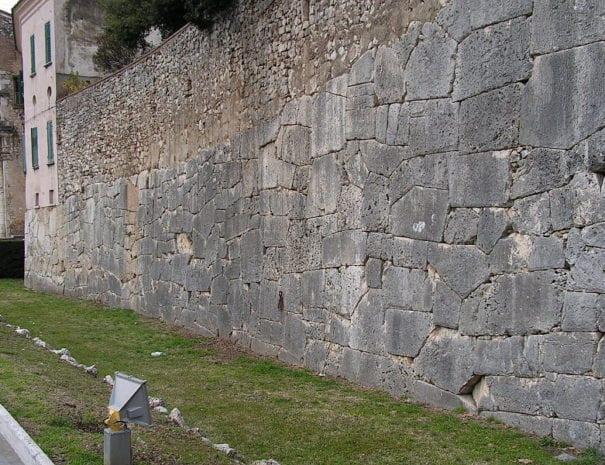 Le  mura ciclopiche di Amelia