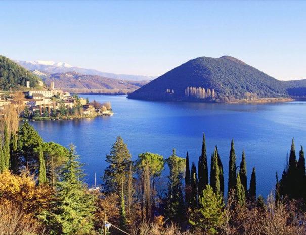 Il lago di Piediluco e il monte Eco