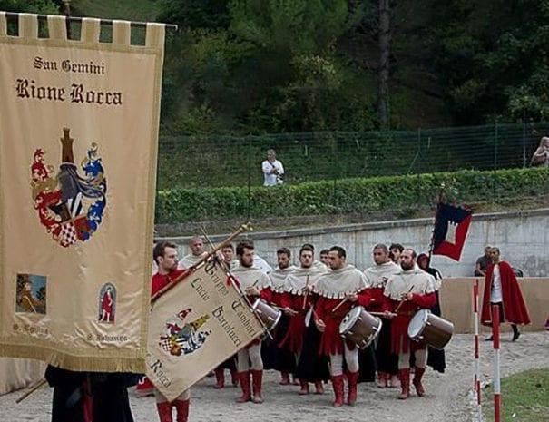 Sbandieratori del Rione Rocca