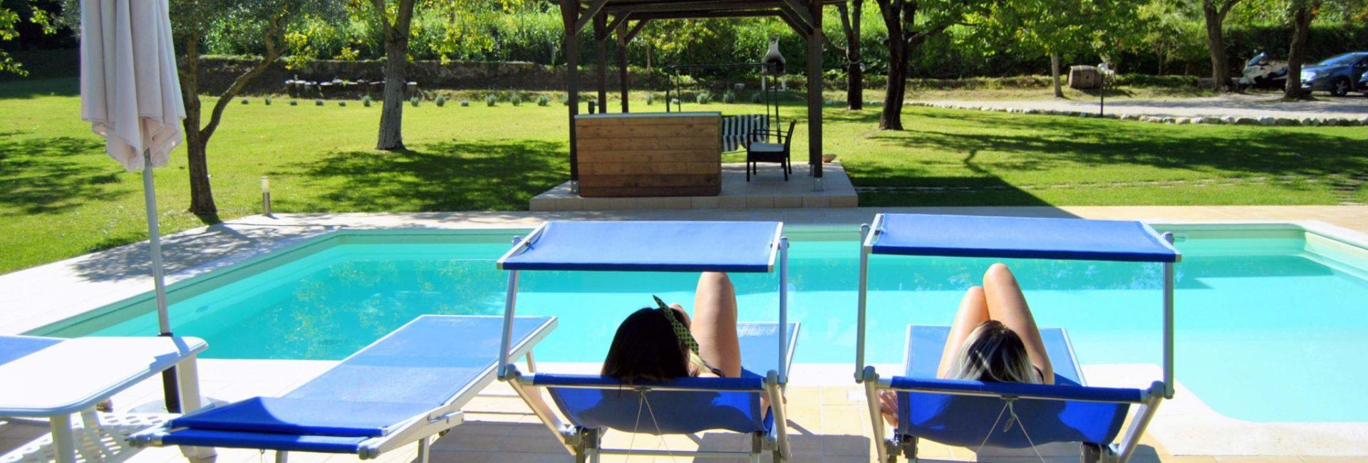 piscina ragazze 1