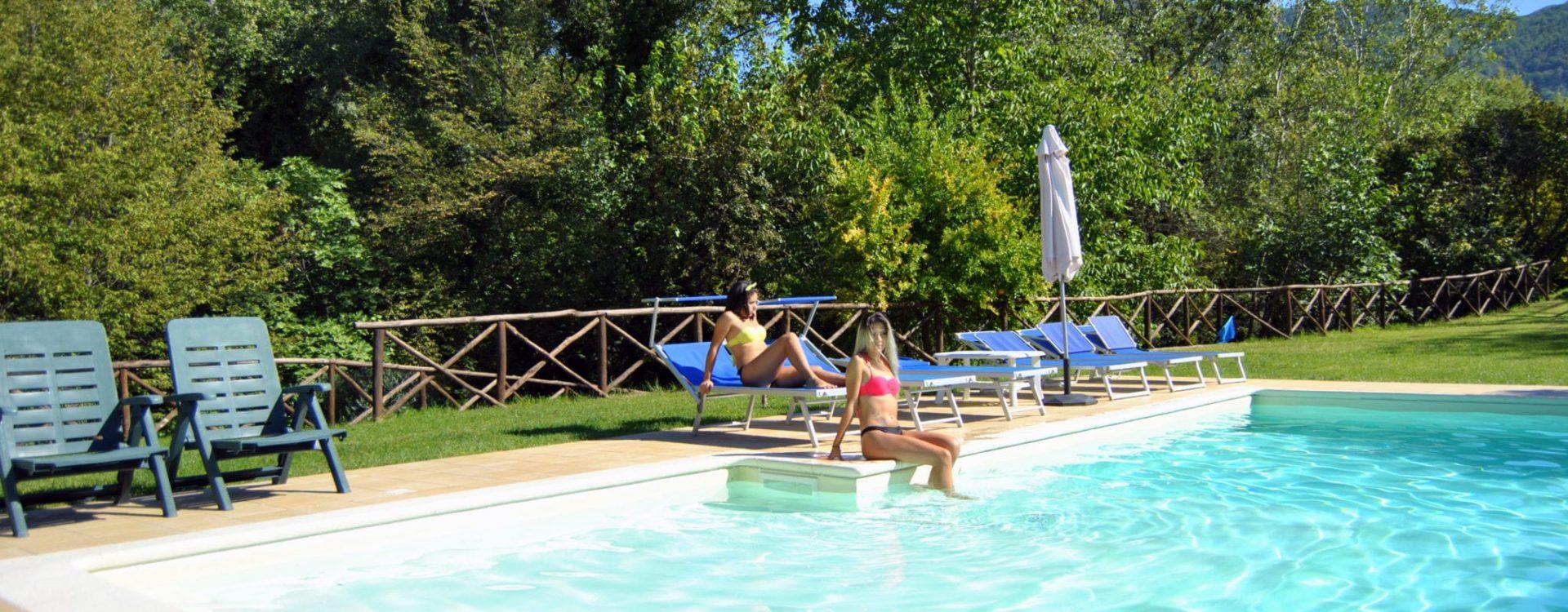 piscina ragazze 3
