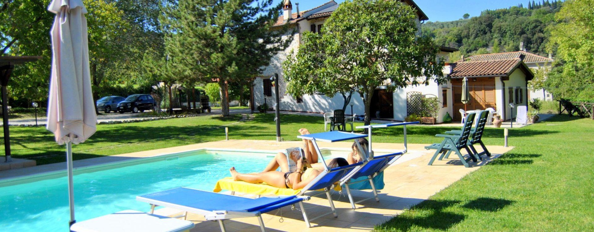piscina ragazze 4
